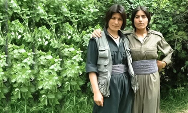 Zeinab-Jalalian-and-her-sister-Deniz