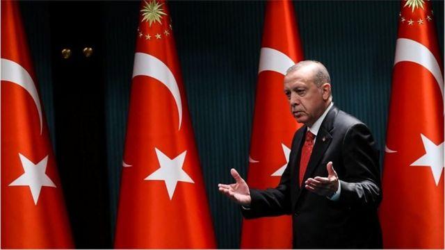 رجب طیب اردوغان، رئیسجمهوری ترکیه در هفتههای اخیر نشانههایی از تغییر در سیاست خارجی خود بروز داده است